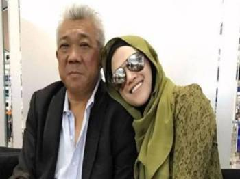 Bung Mokhtar dan Zizie - Foto sumber internet
