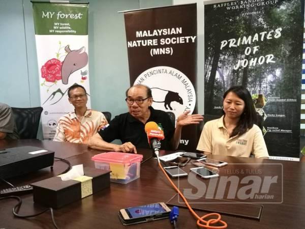 Vincent pada sidang media Pelancaran Brosur Primates of Johor hari ini.