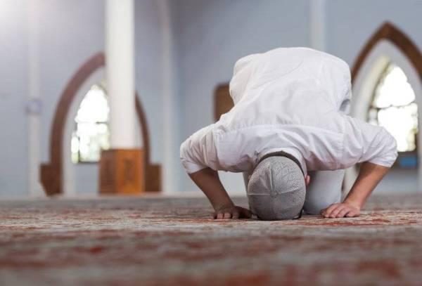 Tingkatkan amal ibadah sepanjang bulan Ramadan.