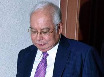 Bekas Perdana Menteri Datuk Seri Najib Tun Razak pada prosiding perbicaraan kes yang dihadapinya membabitkan dana SRC International Sdn Bhd berjumlah RM42 juta di Kompleks Mahkamah Kuala Lumpur hari ini. - Foto Bernama