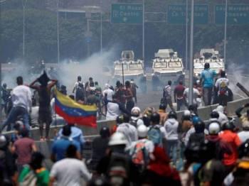 Penduduk Venezuela meneruskan protes terhadap kerajaan. Foto: ABC News