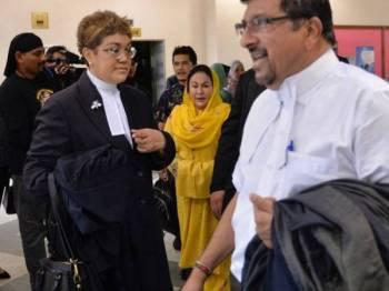 Isteri bekas Perdana Menteri Datin Seri Rosmah Mansor ketika hadir ke Kompleks Mahkamah Jalan Duta hari ini bagi kes sebutan menerima suapan RM5 juta sebagai upah membantu Syarikat Jepak Holdings Sdn Bhd mendapatkan projek sistem solar bernilai RM1.25 bilion. - FOTO BERNAMA