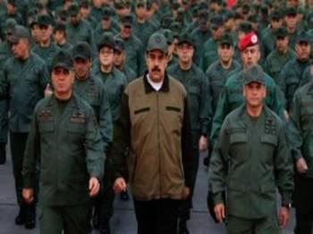 Pasukan tentera Venezuela dilaporkan tetap setia kepada Presiden Maduro. - Foto EPA