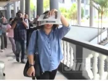 Lai Woan Yong didenda RM4,000 oleh Mahkamah Sesyen Ayer Keroh di sini hari ini, kerana mendera anjing peliharaanya tahun lalu.
