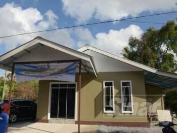 Rumah baharu bernilai RM30,000 siap dibina dalam tempoh 35 hari demi memberi peluang kepada Noor Asniza sekeluarga menyambut ramadan di rumah berkenaan.