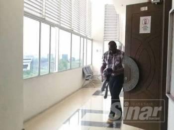 Vijayakumar ketika hadir di mahkamah, Januari lalu.