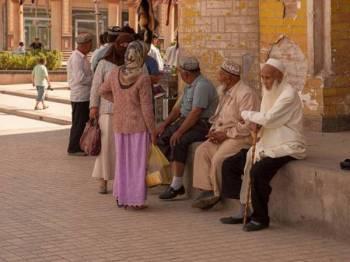 Penduduk Uighur sekali lagi dilarang berpuasa di bawah langkah sama dikuatkuasakan sejak tiga tahun lalu.