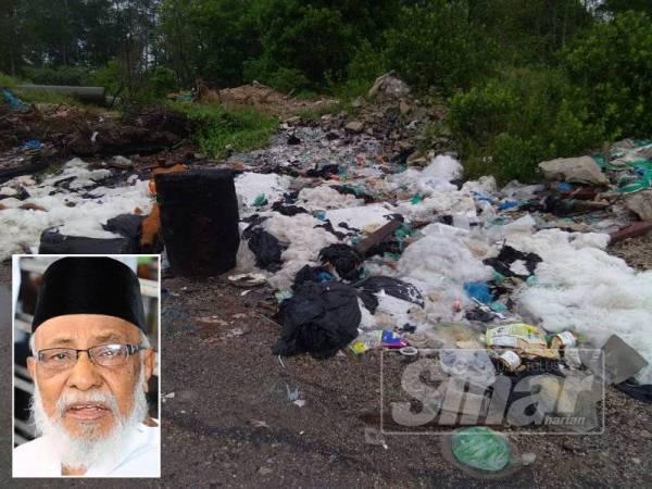 Keadaan di jalan ban Sungai Tengah, Changkat di Nibong Tebal yang dipenuhi sampah dan sisa buangan. (Gambar kecil: SM Mohamed)