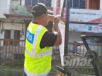 Operasi diadakan bagi membanteras kegiatan pemasangan iklan haram di sekitar daerah.