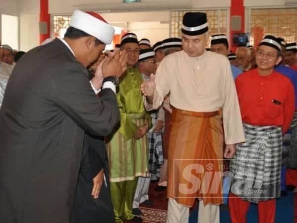 Mohamad Hamdani merafak sembah sempena perasmian Masjid Muhammadiah yang disempurnakan oleh Sultan Perak, Sultan Nazrin Muizzuddin Shah.