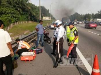 Mangsa dipercayai gagal mengawal motosikalnya mengakibatkan terbabas dan mangsa maut di tempat kejadian.