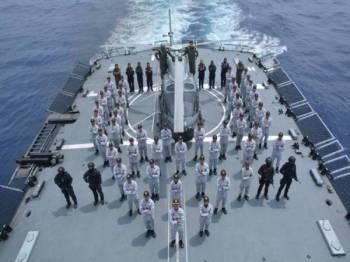 Sebahagian yang terlibat dalam Operational Sea Training Exercise (OSTEX) di perairan Zon Ekonomi Eksklusif di Pantai Timur Semenanjung selama tiga hari bermula Rabu lalu.