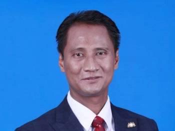 Setiausaha Kerajaan Johor, Datuk Azmi Rohani.