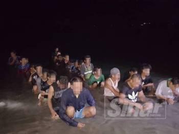 PATI yang ditahan APMM ZMTS selepas cuba memasuki negara ini melalui kawasan yang tidak diwartakan dalam operasi malam semalam.