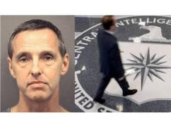 Kevin Mallory disabitkan bersalah mengikut Akta Pengintipan kerana menjual maklumat pertahanan sulit AS kepada ejen perisik China dengan bayaran AS$25,000 (RM104399).