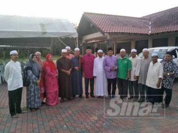 Mahdzir (tengah) bersama pemimpin UMNO Padang Terap dan Pas Kawasan Padang Terap.