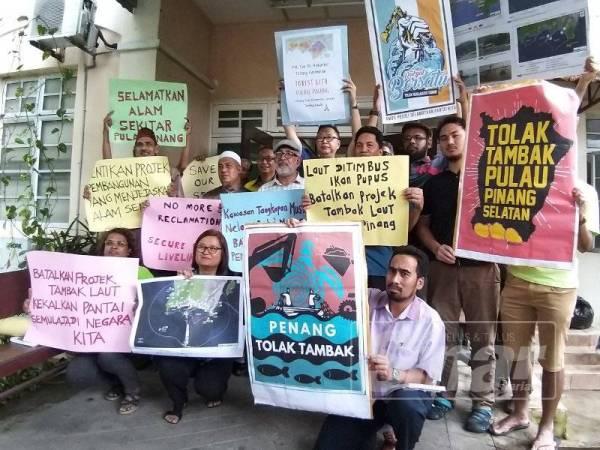 Sekumpulan NGO Pulau Pinang dan Perak membantah projek PSR di selatan Pulau Pinang.