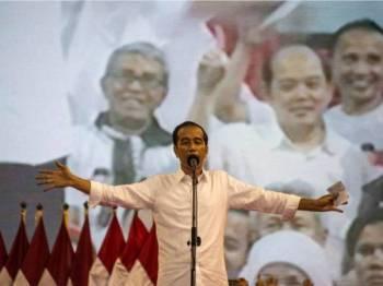 Presiden Jokowi berjaya kekal jawatan untuk penggal kedua.