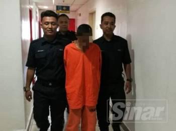 Tertuduh dihukum 30 tahun penjara dan 10 sebatan di Mahkamah Sesyen Kuala Terengganu hari ini kerana merogol anak saudaranya yang lembam.