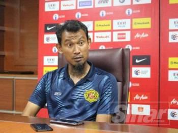 Yusri akui lega Kelantan kutip mata penting ketika pasukan kendaliannya sedang berjuang untuk keluar daripada zon penyingkiran Liga Premier, ketika ini.