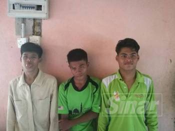 Tiga hero remaja: dari kanan Muhammad Rasul, Mohd Shafizal (tengah) Mohd Aziz