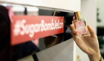 Minyak wangi wanita Sweet Fantasy adalah yang terlaris dalam koleksi Sugarbomb.