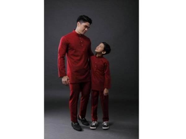 SELAIN baju Melayu, koleksi ByRAA juga boleh digayakan sebagai kurta kerana ukurannya yang sedikit labuh dan mempunyai poket pada bahagian dada.