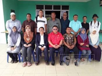 Barisan Majlis Pengurusan komuniti Felda Taib Andak.