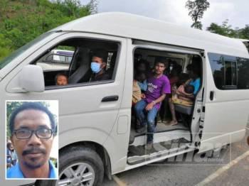 Penduduk dibawa ke klinik dengan menaiki van milik Jakoa. (Gambar kecil: Raina)