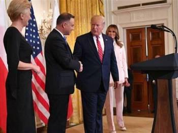 Presiden Poland, Andrzej Duda bertemu Trump di Rumah Putih semalam.