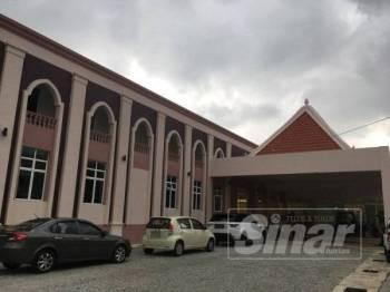 Bangunan serbaguna Masjid Kampung Hulu.