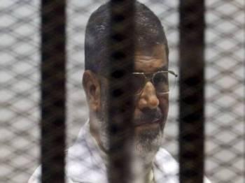 Bekas Presiden Mesir, Mohammed Mursi meninggal dunia selepas pengsan di mahkamah semalam.