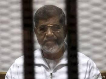 Mursi meninggal dunia ketika dibicarakan di mahkamah pada Isnin lalu.