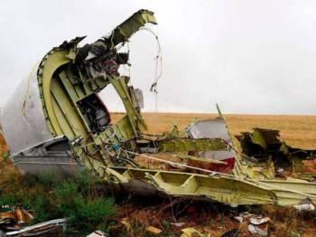Penerbangan MH17 dari Armsterdam ke Kuala Lumpur itu ditembak jatuh pada 17 Julai 2014 di ruang udara timur Ukraine. - FOTO FAIL