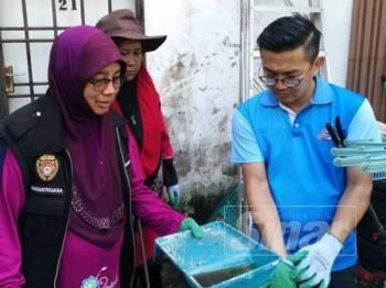 Program Gotong-royong Membasmi Denggi di Taman Sri Sentosa Pekan Nanas, hari ini.