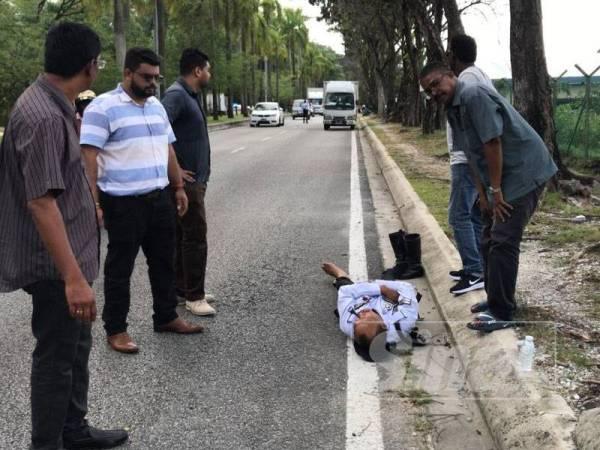 Hasnol yang cedera dilanggar mendapat bantuan orang awam yang berada di lokasi kejadian pagi tadi.