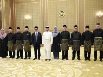 Upacara angkat sumpah Ketua Pesuruhjaya Suruhanjaya Pencegahan Rasuah Malaysia (SPRM) yang baharu, Latheefa Beebi Koya berlangsung di Istana Negara di sini hari ini. - FOTO SPRM