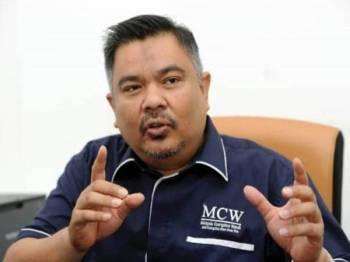 Presiden Pemerhati Rasuah Malaysia (MCW), Jais Abdul Karim bercakap pada Wacana Sinar siri ke 112 yang diadakan di Dewan Karangkraf yang bertajuk Tanggungjawab Banteras Rasuah Di Malaysia di sini hari ini. - FOTO ROSLI TALIB