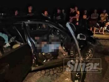 Keadaan kemalangan melibatkan dua kereta, malam tadi.