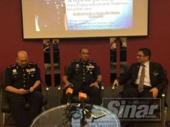 Ketua Polis Johor, Datuk Mohd Khalil Kader Mohd pada sidang media hari ini.