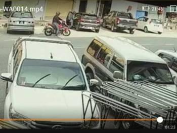 Rakaman CCTV yang tular di media sosial sejak semalam.