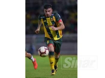 Fernando memastikan Kedah berjaya mengutip tiga mata selepas menang tipis ke atas Petaling Jaya City FC di Darul Aman sebentar tadi. - Foto AHMAD ZAKI OSMAN