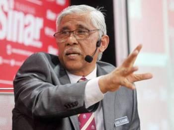 Ketua Pengarah GIACC, Tan Sri Abu Kassim menyampaikan hujah pada Bicara Minda yang diadakan di Dewan Karangkraf. - FOTO: ROSLI TALIB