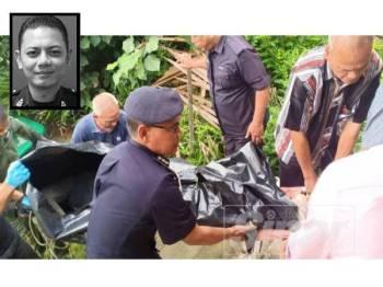 Zaharudin (kiri) membantu mengangkat mayat Lans Koperal Mohd Fairuz yang ditemukan pagi tadi di Jeti Nelayan Sungai Senduk, Tangkak. (gambar kecil: Mohd Fairuz)