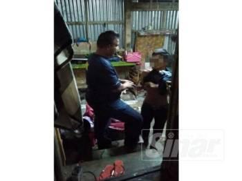 Lelaki yang ditahan AADK ketika serbuan kelmarin.