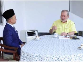 Sultan Johor, Sultan Ibrahim Ibni Almarhum Sultan Iskandar berkenan terima mengadap Menteri Pendidikan, Dr Maszlee Malik: Foto Royal Press Office (RPO)