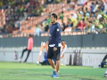 Nidzam meluahkan rasa kecewa selepas anak buahnya gagal mengutip sebarang mata ketika menentang Selangor. - Foto Felda United FC