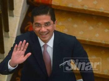 Menteri Hal Ehwal Ekonomi, Datuk Seri Mohamed Azmin Ali di Parlimen hari ini. - Foto Sinar Harian Sharifudin Abdul Rahim