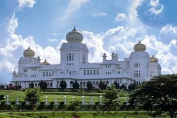 Istiadat Mengangkat Sumpah Jawatan Ahli-Ahli Majlis Mesyuarat Kerajaan Perak yang dijadual diadakan jam 10 pagi esok di Istana Iskandariah, Kuala Kangsar ditunda pada tarikh akan dimaklumkan kelak. - Gambar hiasan