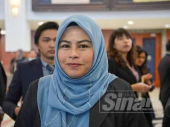 Ahli Parlimen Batu Pahat, Datuk Dr Noraini Ahmad di Parlimen hari ini. - Foto SHARIFUDIN ABDUL RAHIM